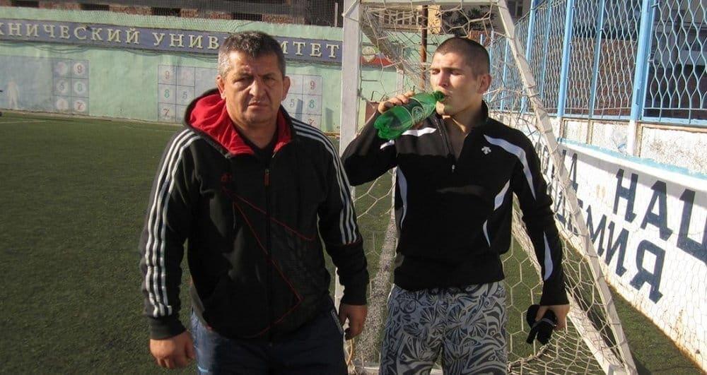 Отцу икузенам Хабиба Нурмагомедова отказали вовъезде вСША