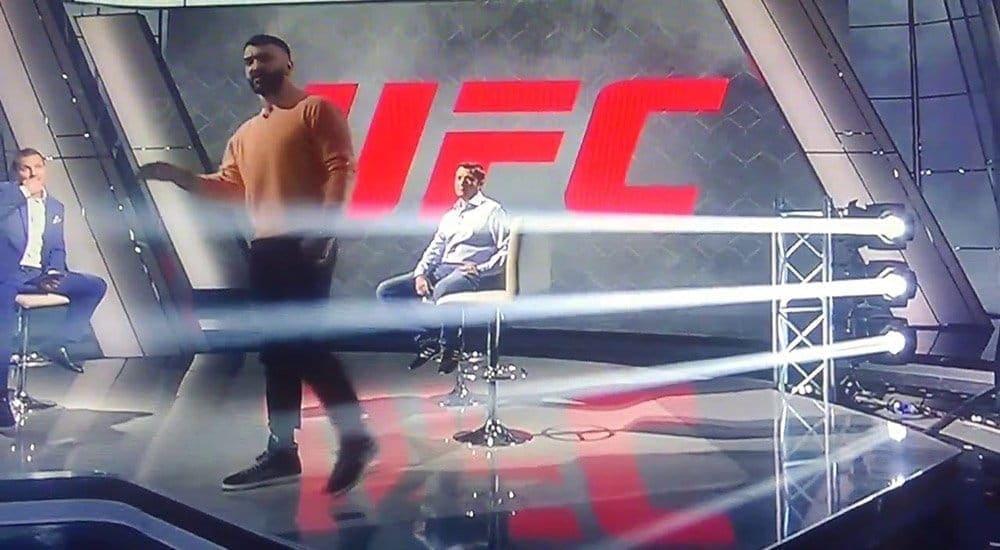 Белорусский боец UFC соскандалом покинул прямой эфир на русском телеканале